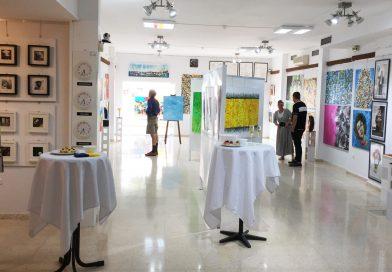 Gallery Art Club